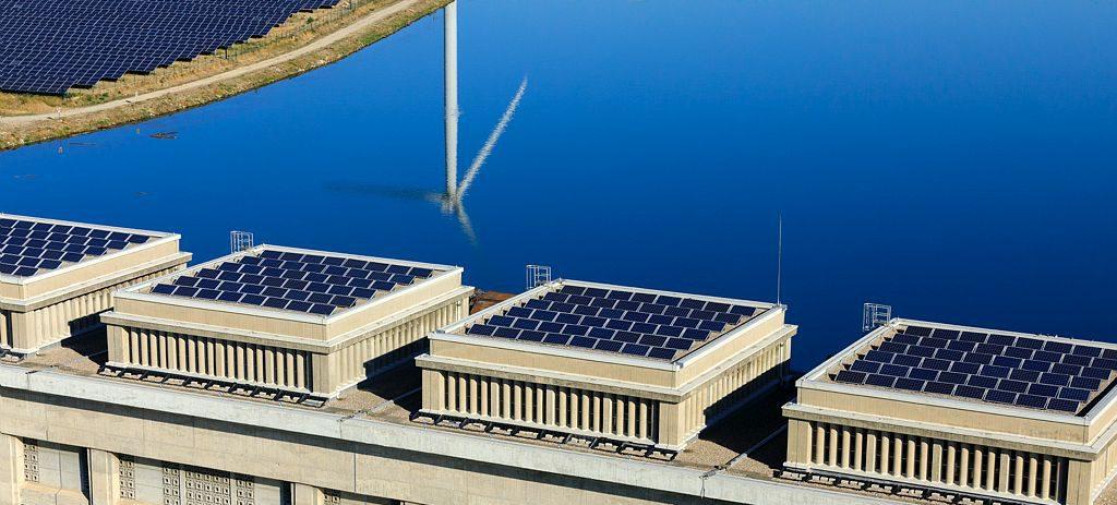 Centrale écluse de Bollène, Parc photovoltaïque et éolien