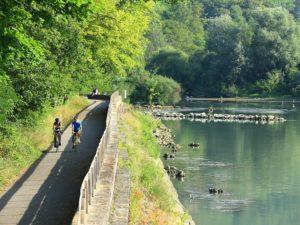Visite de la centrale hydroélectrique de Bollène par les élèves de la commune de Donzère
