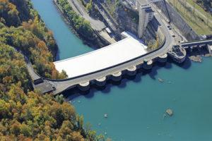 France, Ain (01), Injoux Genissiat, barrage de Genissiat sur Le Rhone (vue aerienne)