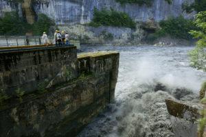 France, Ain (01), Injoux Genissiat, Barrage usine sur Le Rhone de Genissiat pendant les Chasses Suisses du Rhone