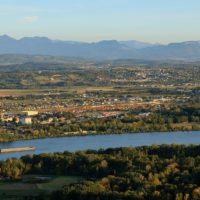 France, Drome (26), Portes les Valence, Le Rhone, Le Massif du Vercors en arriere plan (vue aerienne)